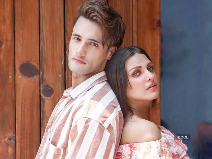 It's complicated! Has Bigg Boss 13 couple Himanshi Khurana and Asim Riaz'  love-story hit a rough patch?   The Times of India