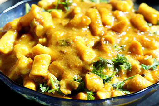 Gatte ki Curry