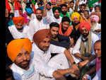 Harbhajan Mann, Ranjit Bawa, Tarsem Jassar and other stars supporting farmers