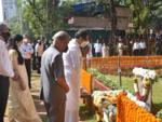 Thackeray family at Smruti Sthal