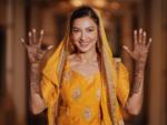 Gauahar Khan flaunts her mehendi