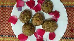 Watch: How to make Oats Laddoo