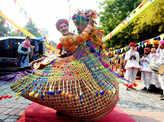 Delhiites attend Tribal fest at Dilli Haat