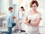 Smart ways to deal with a manipulative mother-in-law
