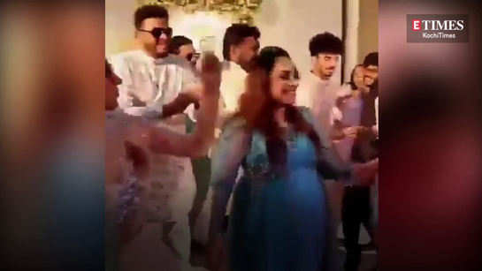 Watch Amala Paul and Pearle Maaney dancing together