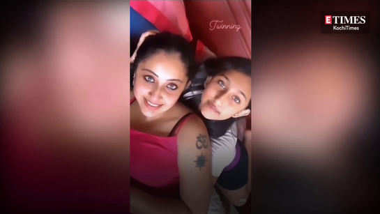 Nithya Das and daughter twinning video is really cute