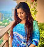 Shreya Ghoshal flaunts her baby bump
