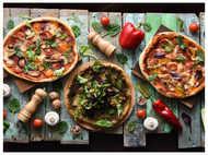 5 Homemade pizza recipes anyone can make at home!