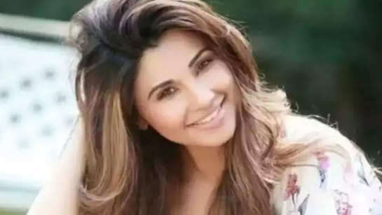 What I Eat in a Day: Daisy Shah reveals her diet secrets