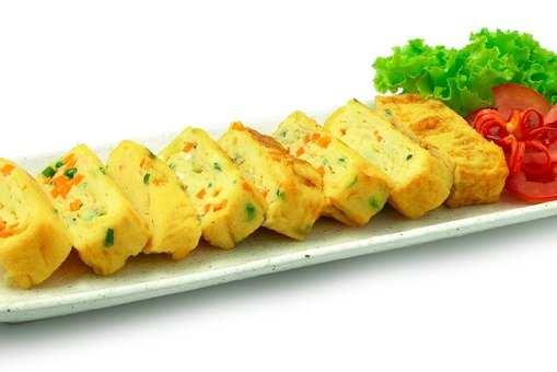 Korean Rolled Omelette (Gyeran Mari)