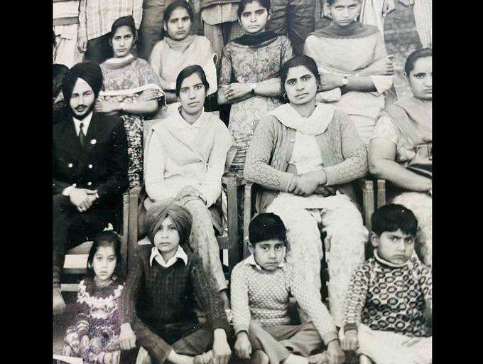 Can you spot Binnu Dhillon in this picture?