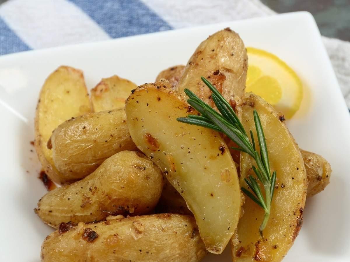 Greek Potatoes Recipe: How to Make Greek Potatoes Recipe | Homemade Greek  Potatoes Recipe