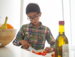 7 signs to see if your child has a nutritional deficiency