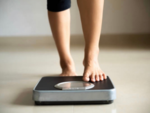 Is it safe to lose 10 kilos or more in a month? Here's what experts say