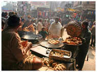 Chandni Chowk street food joints to remain open till 12 am, must-try places inside