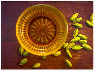 Adding just 4 Cardamom pods to water can help in fat loss?