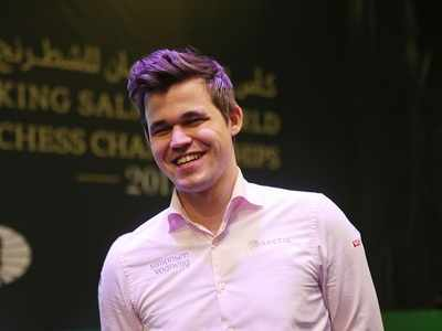 Chess Champion Magnus Carlsen defeats Liverpool man Alexander-Arnold in just 17 moves
