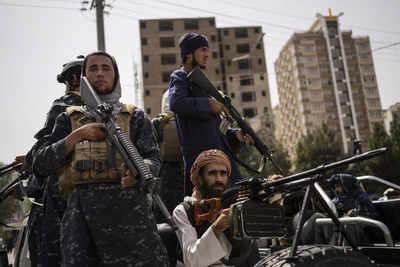 Afghan crisis live updates: Qatar's ruler urges world leaders not to boycott Taliban