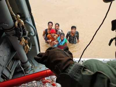 Watch: 2 IAF choppers rescue 13 people in Surat