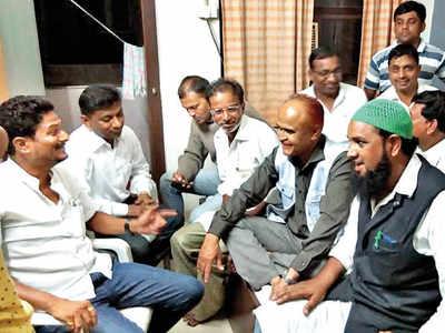 200 people to campaign against BJP Bhopal candidate Pragya Singh Thakur