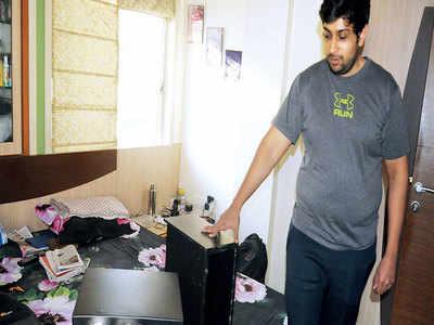 Bizman home broken into, articles worth Rs 44L stolen