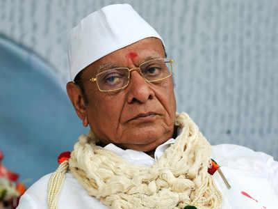 Shankersinh Vaghela resigns as Gujarat MLA in presence of Vijay Rupani, Nitin Patel and other BJP leaders