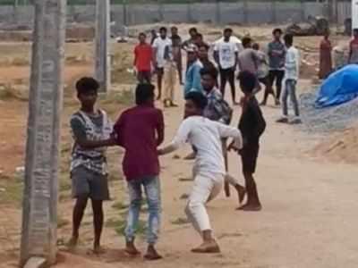 Telangana: Teens fight with bat, bottles in Warangal