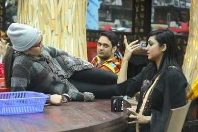 Bigg Boss 11, Episode 10, Day 10, 11th October 2017, Live Updates: Puneesh Sharma gets possessive about Bandgi Kalra, Vikas Gupta calls Hina Khan a 'hypocrite'