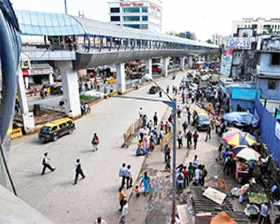 Skywalk to link Andheri railway, metro stations