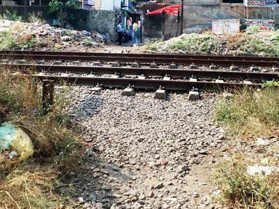 Man found dead on tracks near Wadala, police say he was in financial distress