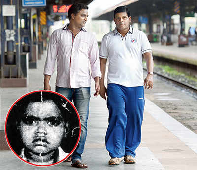 Alert commuters bust cancer con running on Mumbai's local trains