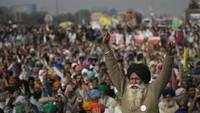 Shah, Rajnath, Tomar meet PM Narendra Modi ahead of talks with farmers