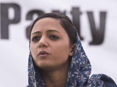 Ex-JNU students union leader Shehla Rashid's father alleges life threat from her; former calls it 'publicity stunt'