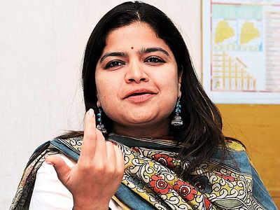 Poonam Mahajan named in cheque bounce cases