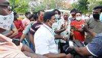 Coimbatore: Locals create ruckus over 'faulty' token distribution for Covid jabs