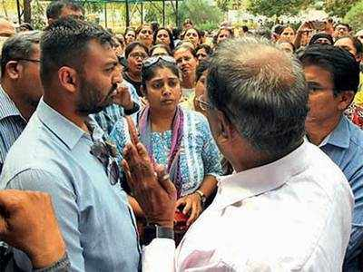 Parents protest 100% fee hike at SH Kharawala