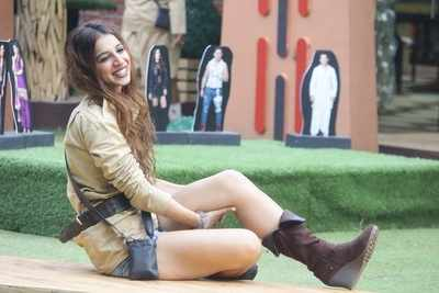 Bigg Boss 11 evicted contestant Benafsha Soonawalla:  I am disappointed with my close friends Luv Tyagi, Hina Khan and Priyank Sharma who back stabbed me
