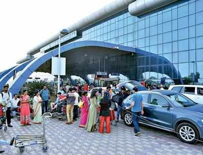 Surat airport crosses 1.25 million passenger mark in 2018-19