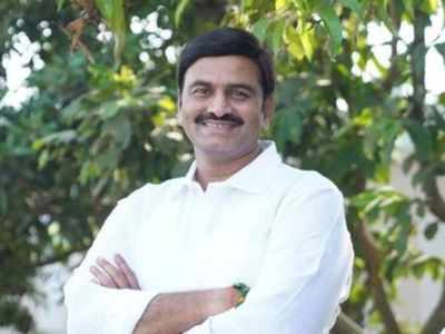 Rebel MP Raghu Ramakrishna Raju fires salvo at YSR Congress; questions party's existence