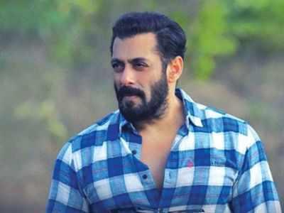 Salman Khan donates hand sanitisers to Mumbai Police