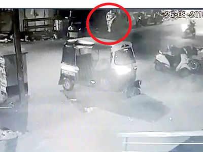 Wanawadi cops hunt phantom army man