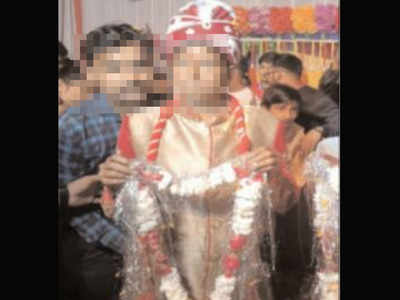 Bride sways away as groom breaks into 'nagin' dance in Uttar Pradesh