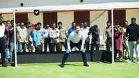 Brett Lee bowls over students at Kerala government school