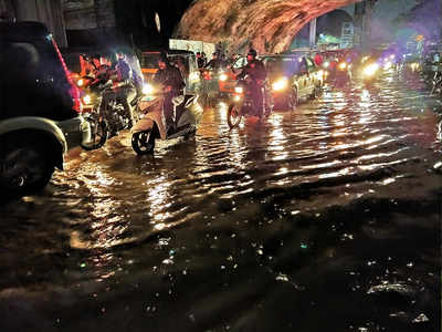 PMC under fire over waterlogging in city