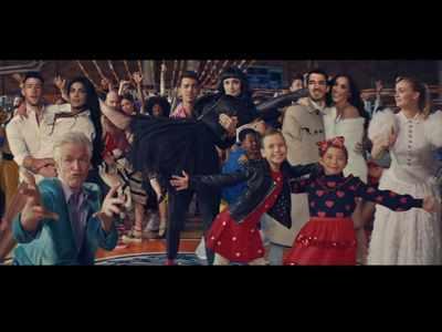 What A Man Gotta Do: Jonas Brothers' latest music video is a Jonas family fest - again
