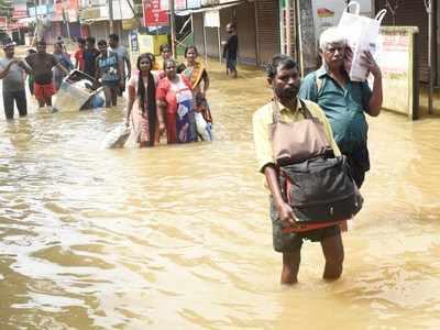 Kerala floods: Unsung heroes bring smiles to stranded in rain ravaged Kerala