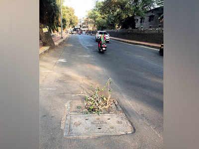 Open gutter in Khadki poses risk to motorists