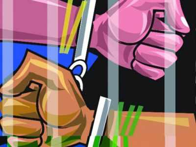 Gujarat: Vastrapur police book eight people for flouting lockdown rules