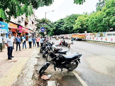 PMC officials force 60 shops to close over odd-even rule