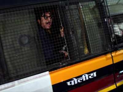 BJP didn't support Amit Shah like 'mahatma' Arnab Goswami: Shiv Sena